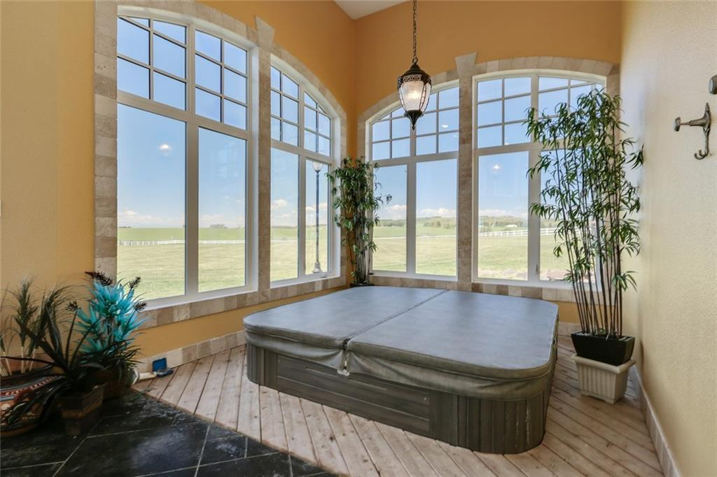 338025 40 ST W , Rural Foothills M.D., 0111   ,T1S 1A1 ;  Listing Number: MLS C4295371